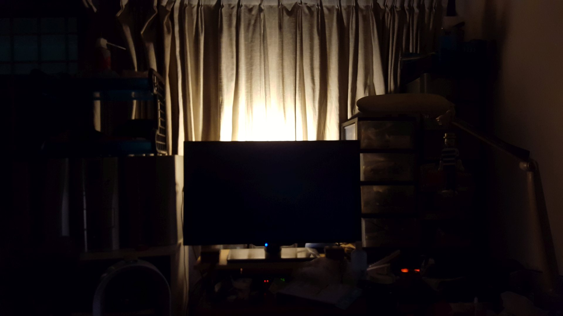 Bias Lighting A Better TV Viewing Experience Describee - Bedroom lights off